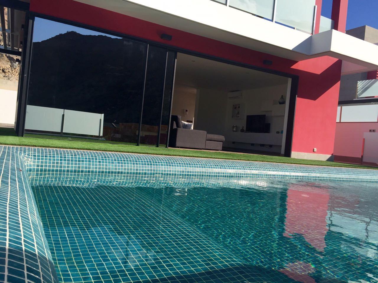 Amadores beach club el mejor chill out de europa con un clima perfecto durante invierno oto o - Villas en gran canaria con piscina ...